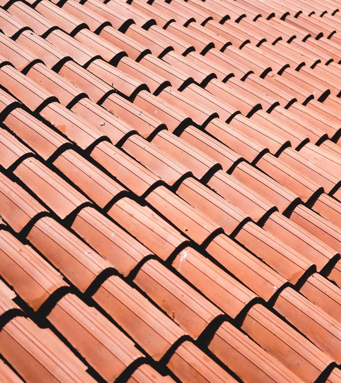 En takläggare för ett nytt snyggt tak