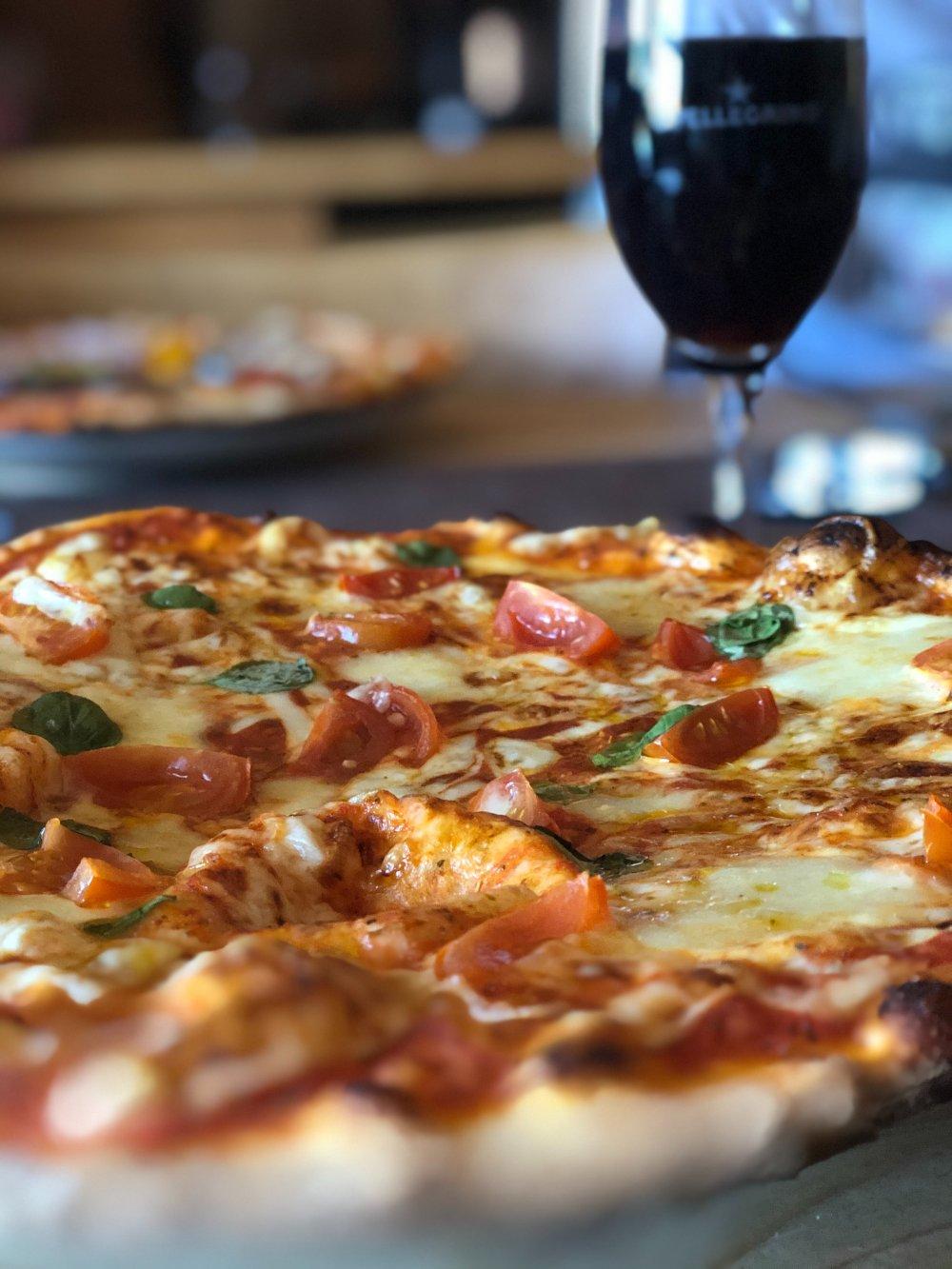 Alla dessa pizzerior