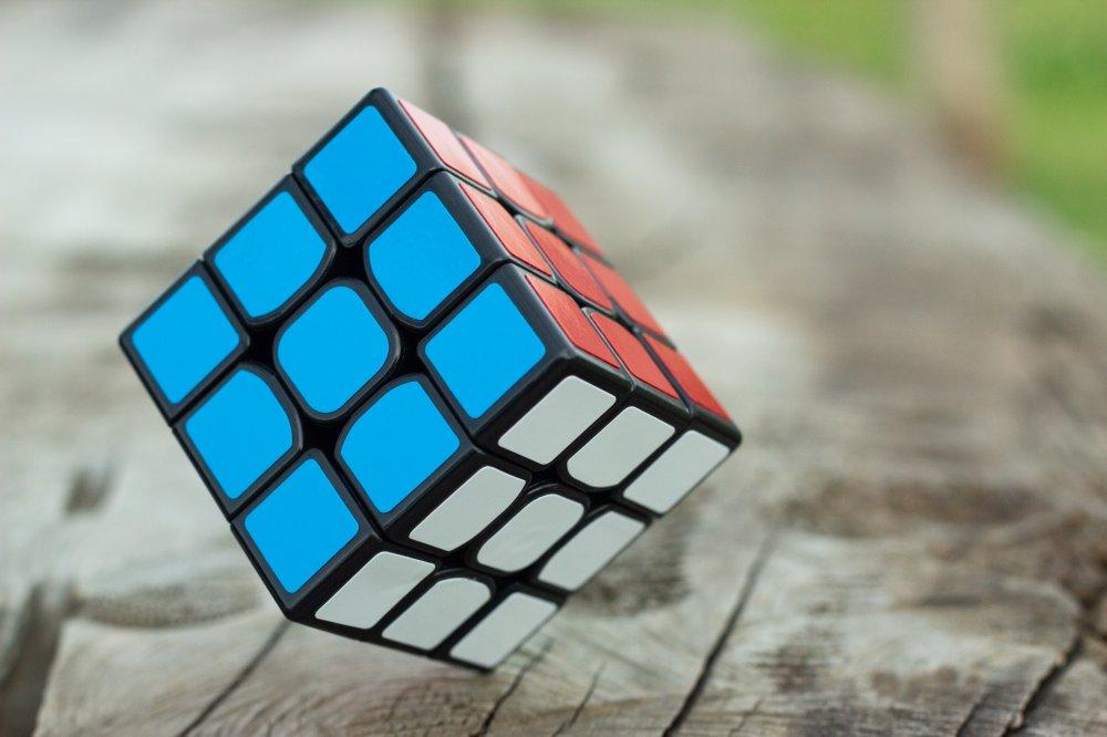 En kub som fängslat generationer
