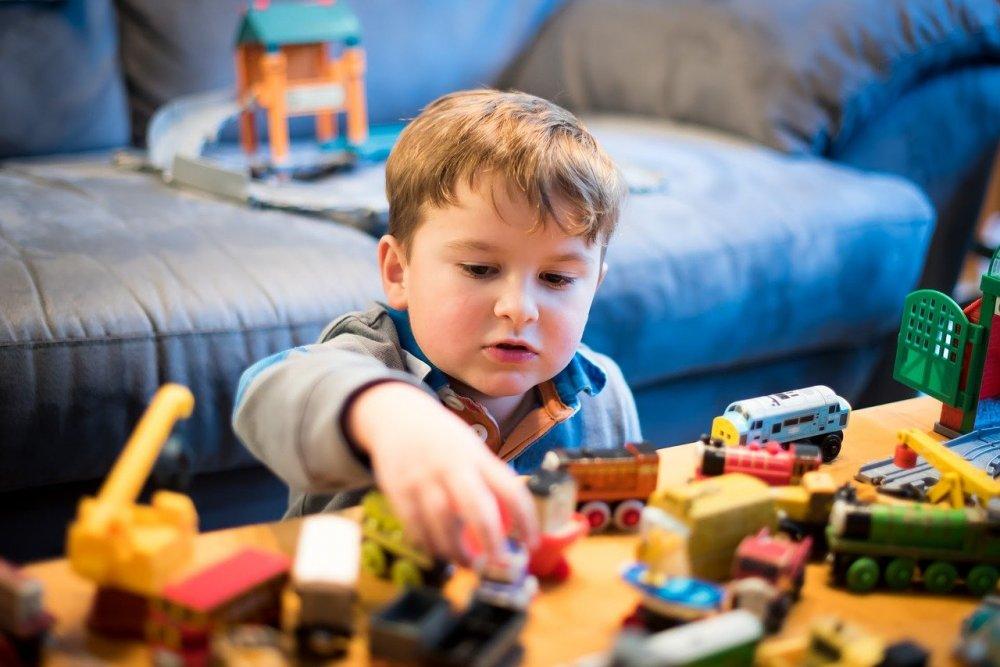 Plus Plus byggbitar uppmuntrar till kreativ lek